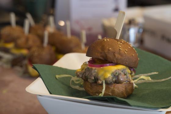 Mini beefburger roger rassin  560x374