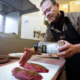Vlees wilde ganzen voor Voedselbank Arnhem