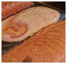 Klant plast in bak met vlees