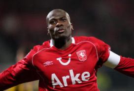 Slager in ban FC Twente (filmbeelden)