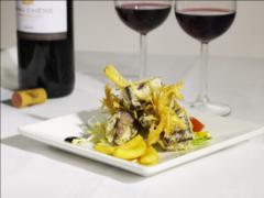 Salade met bloedworst in tempura van mihoen met dronken appeltjes en hoisin saus