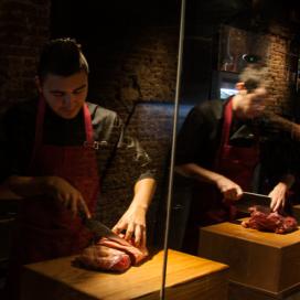 W36: restaurant met eigen slager in het zicht