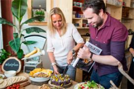 Nieuw kookboek 'Eerlijk eten' in de winkel