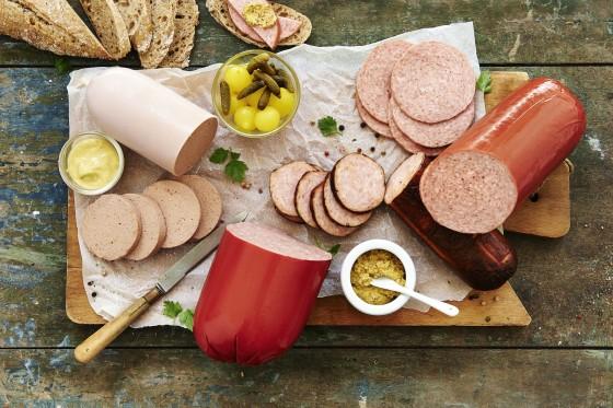 Vleeschwaar groep gekookte worst01 560x373