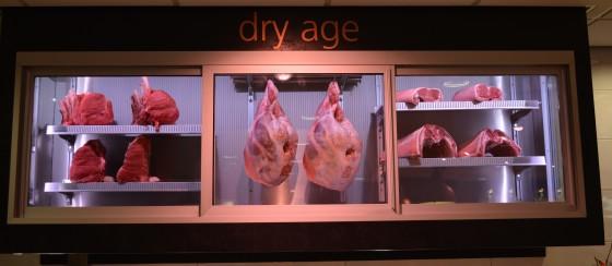 Dry age 560x244