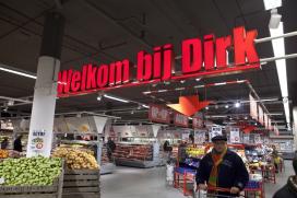 Dirk en DekaMarkt halen filet americain uit de schappen