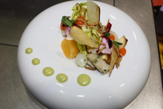Insecten staan steeds vaker op de kaart van restaurants. Ook de Biobeurs deed duit in het zakje.  Foto's: Anne Mieke Ravenshorst