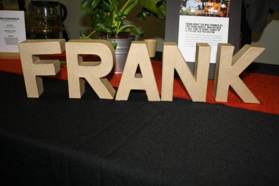 FRANK staat voor eerlijke en pure thee uit diverse windstreken.