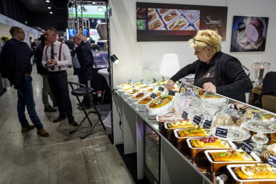 Smakelijke uitstalling van de Semois-paté's. (C) Roel Dijkstra Fotografie / Foto : Fred Libochant