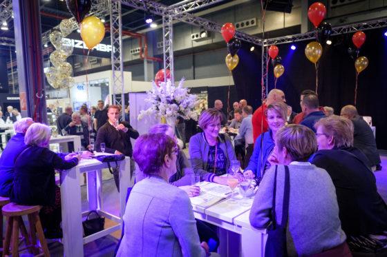In het Theater in de Jaarbeurs viert Vleesmagazine het tien-jarig jubileum met abonnees, adverteerders, relaties en iedereen die zin had om het feestje mee te vieren. (C) Roel Dijkstra Fotografie / Foto : Fred Libochant