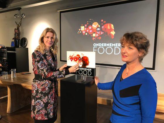 Staatssecretaris Mona Keijzer (l) en programmamanager Astrid van Hest van SVO verrichtten de openingshandeling. Foto's: Vleesmagazine