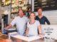 Eigenaar 'toeristische' viswinkel: allemaal verkopen ze wel een warm saucijzenbroodje