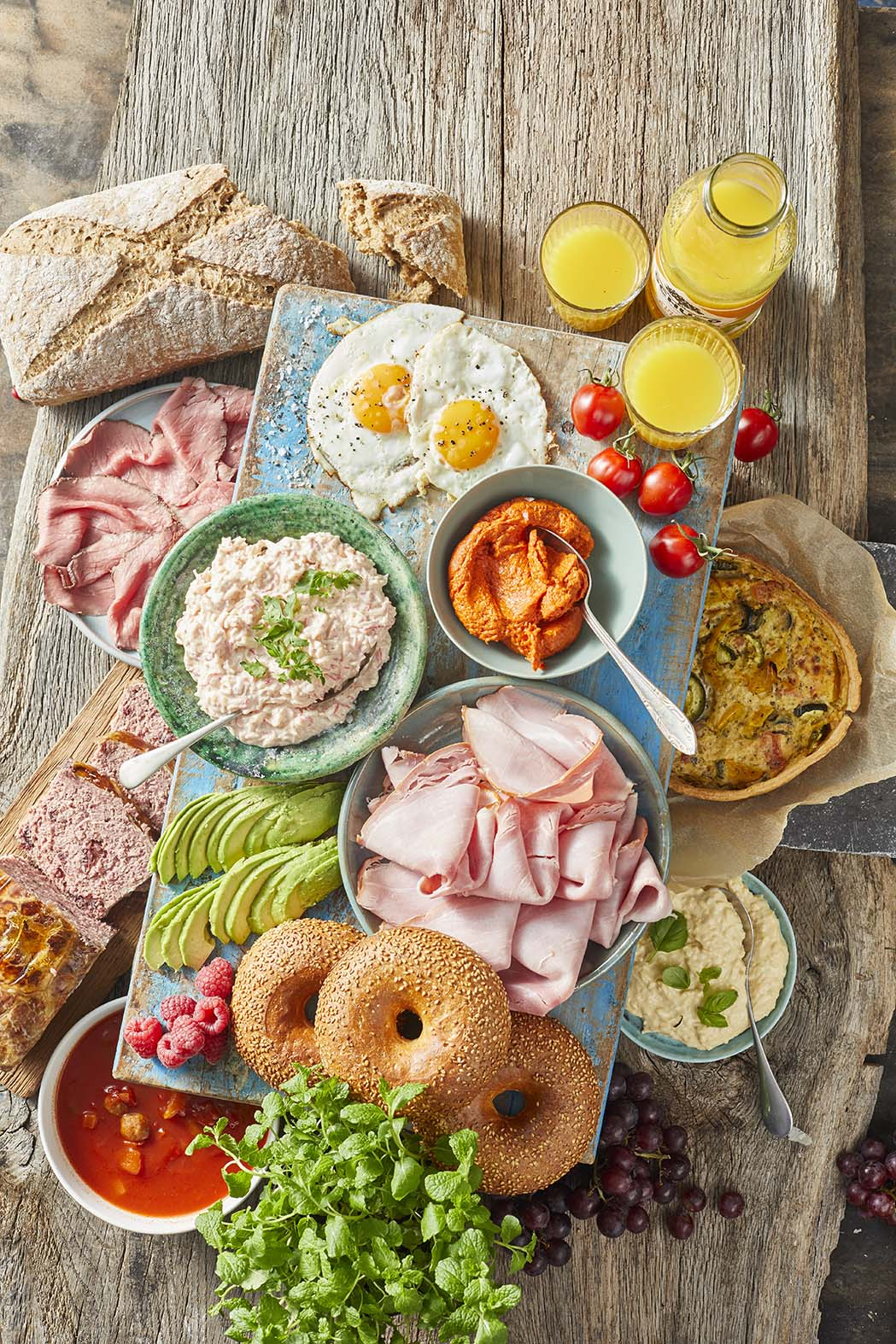 Huisgemaakte vleeswaren en goede buitenlandse specialiteiten blijven onverminderd populair, aldus Lisa Hooymayers van VersAlert.