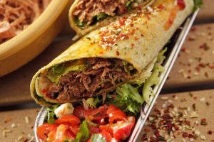 Tip voor in de vitrine: Wrap pulled turkey