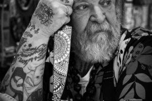 Slagerszoon en tattoo-koning Schiffmacher lanceert koksmes